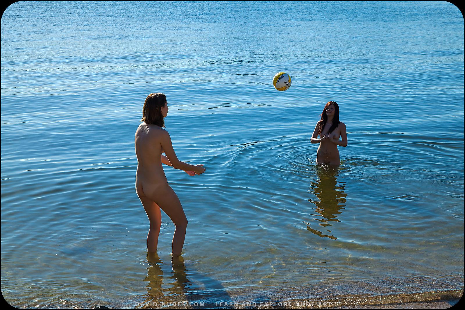 Секс игра в волейбол голые 24 фотография