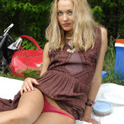 lilya_on_a_picnic_by_the_pond-006