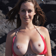 karly_flashing_her_tits_on_vacation-8