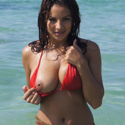 super_hot_amateur_lacey_takes_her_top_off_at_the_beach-9